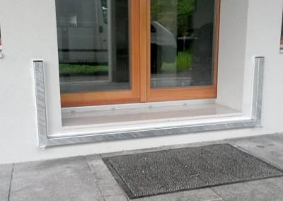 Hochwasserschutz Tür mit Vollwaermeschutz